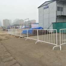 专业定做 铁马护栏 白色烤漆铁马 移动式施工护栏  规格齐全 销售批发图片
