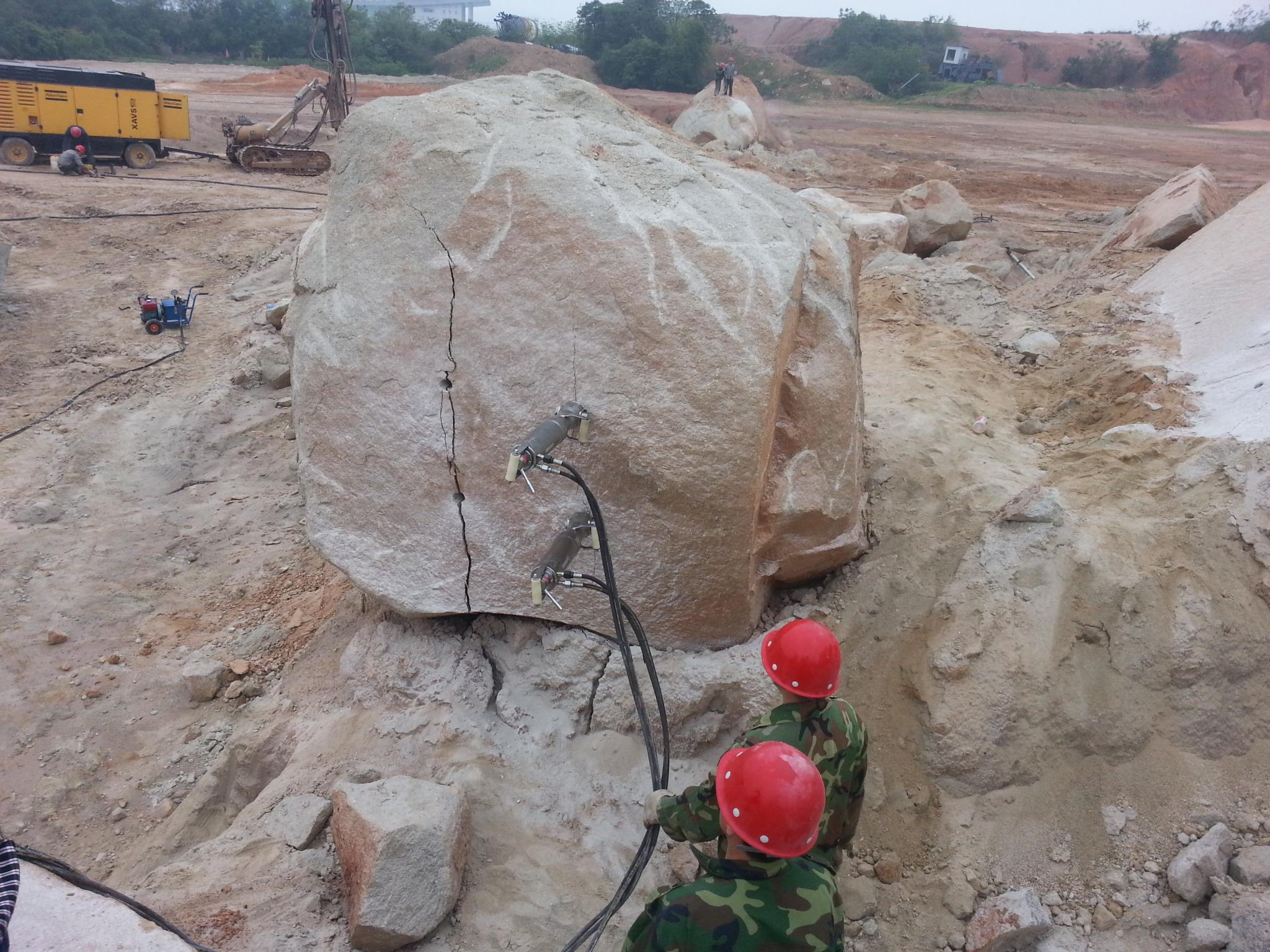 精准液压分裂机   柳州博奥专业生产十五年