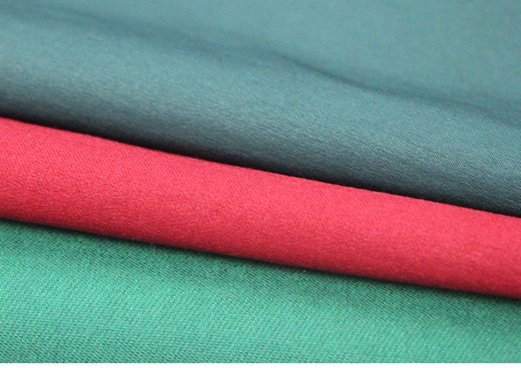 服装布 抗拉耐磨平纹纯色布料各种衣服裤子服装面料 厂家直销布料