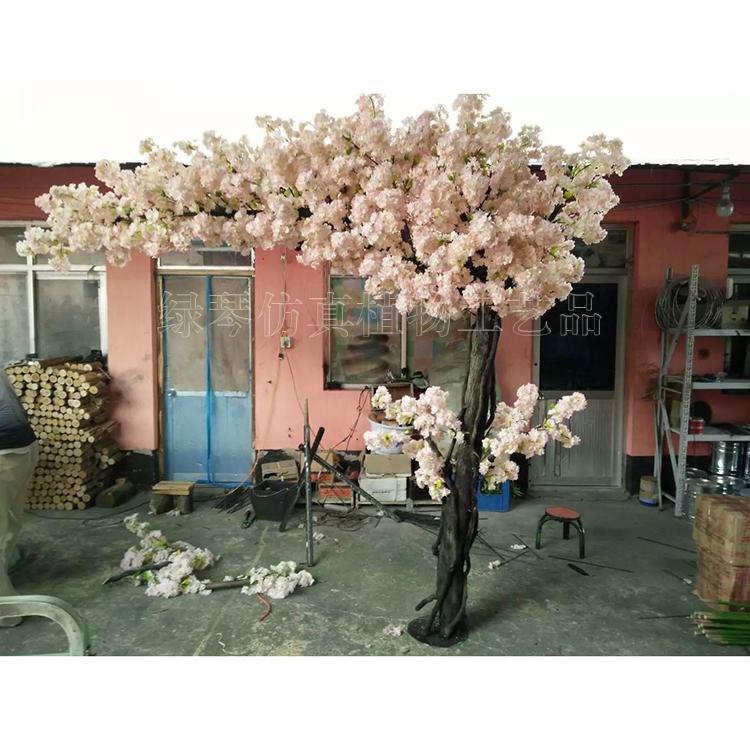 人造假树厂家 深圳绿琴直销 仿真假大树 主题公园装饰大型摆件 假花假树叶装饰 可上门安装