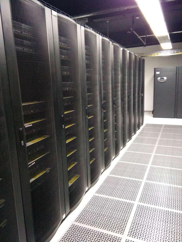 香港服务器托管,香港服务器托管费用,极云天下