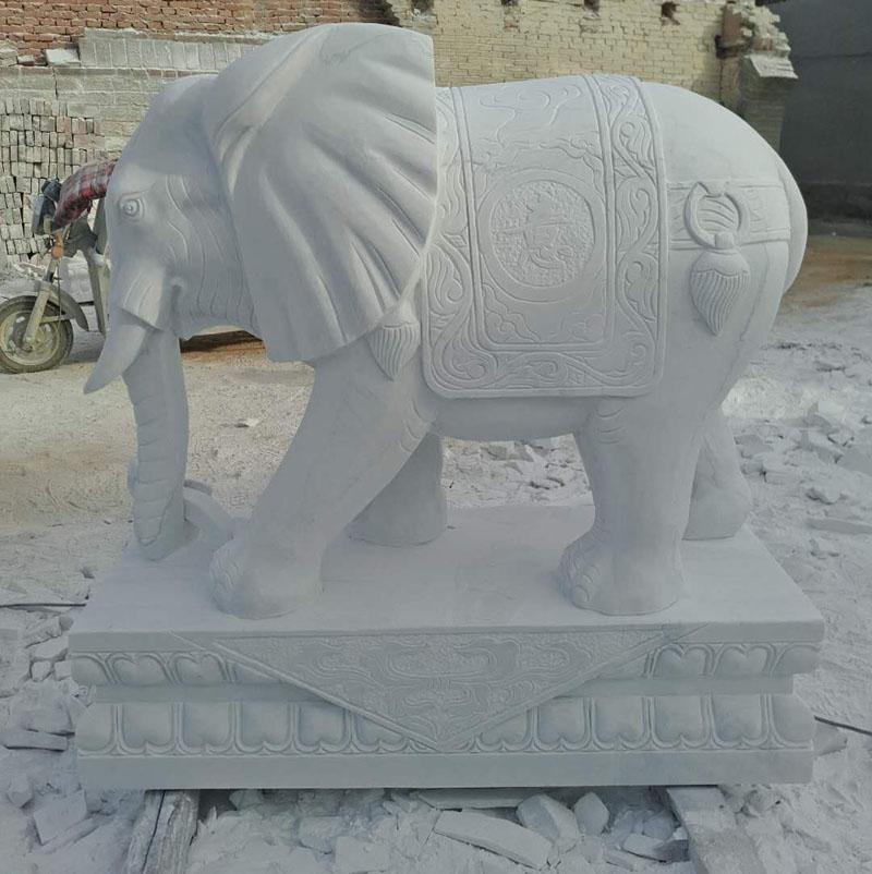 石雕汉白玉小象一对看门晚霞红大象镇宅招财石雕动物雕塑厂家直销
