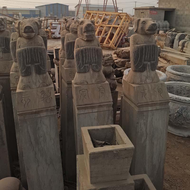 供应石雕十二生肖拴马桩公园摆件青石做旧拴马桩动物人物拴马桩厂家直销