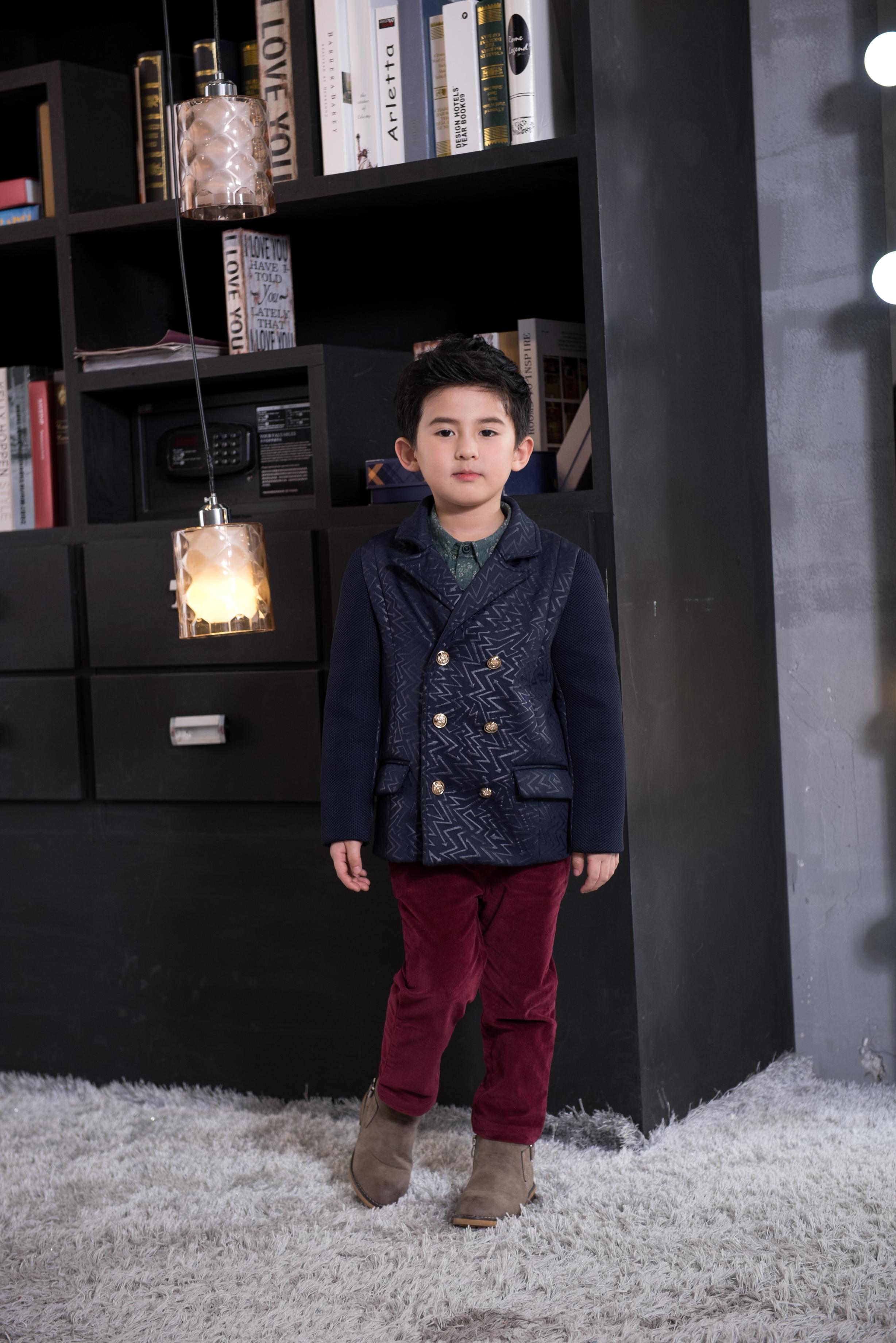 呢大衣外套--童装西服 广州童装呢大衣外套供应商 广州童装西服定制厂家