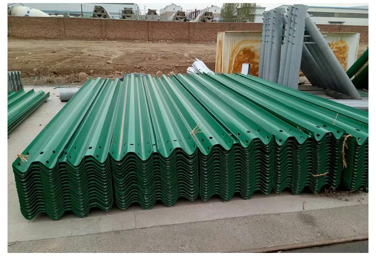 北方管道供应优质镀锌高速护栏板生产厂家直销批发价格-哪里有卖