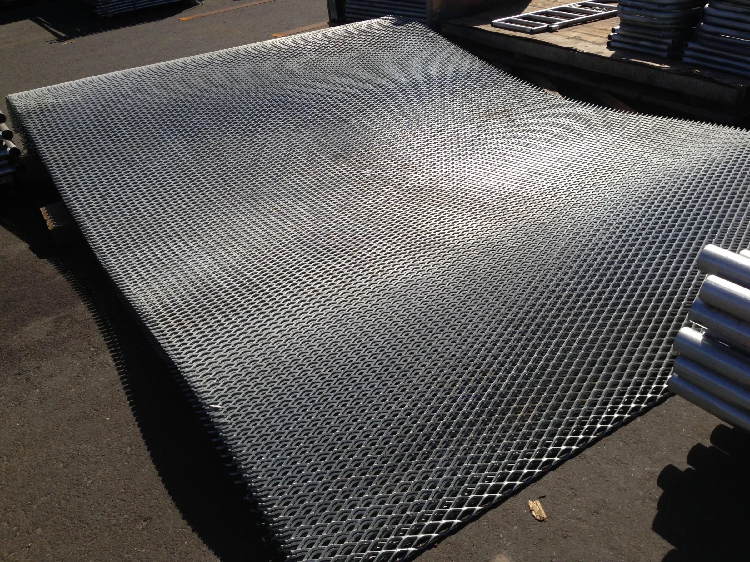 金属扩张网、重型钢板网、脚踏网、冲孔板'铝板网、不锈钢钢板网、粮仓网、天线网、滤芯网、音响网