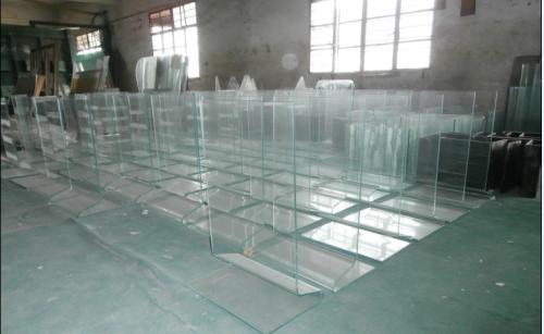 广州鱼缸热弯玻璃厂家 广州鱼缸热弯玻璃厂家定做  高档鱼缸热弯玻璃厂家批发