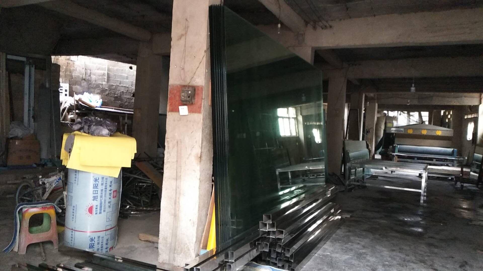 贵州玻璃隔断厂家,贵州玻璃隔断厂家,贵州玻璃隔断订做价格