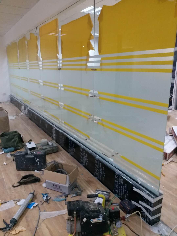 白云区移动玻璃隔断订做 白云区移动玻璃隔断订做 移动玻璃隔断 玻璃隔断