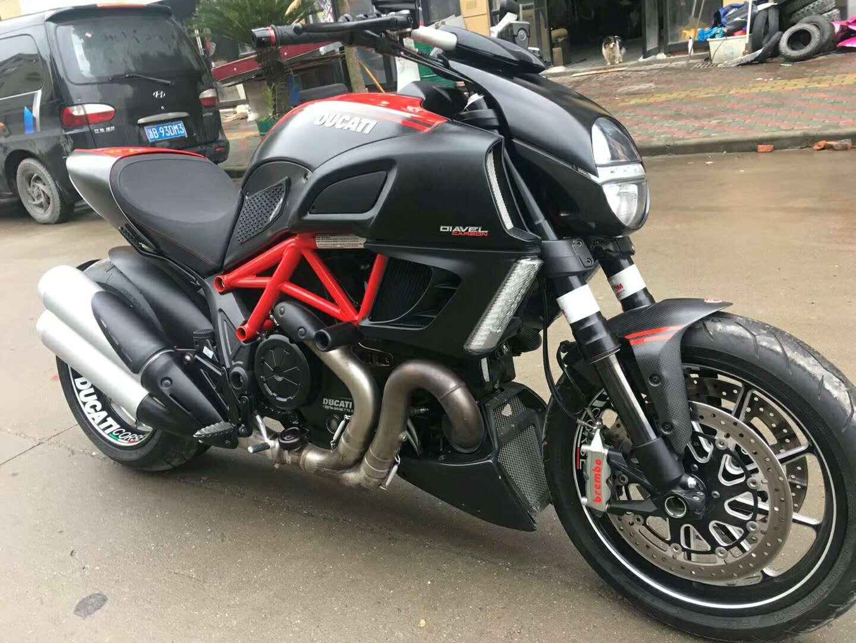 杜卡迪机车摩托车