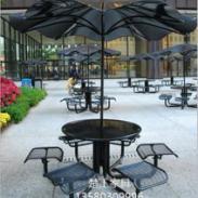 铁艺户外桌椅图片 带伞钢制桌椅厂图片