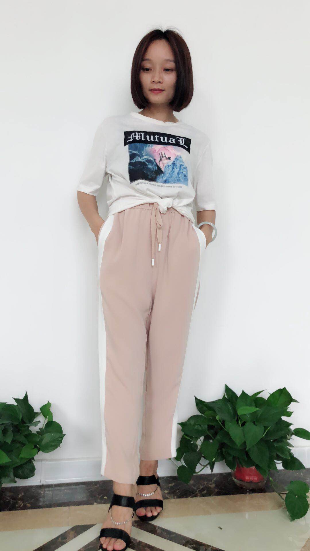 Z11夏三标齐全 时尚休闲女装 广西品牌女装库存走份折扣批发 艾薇萱