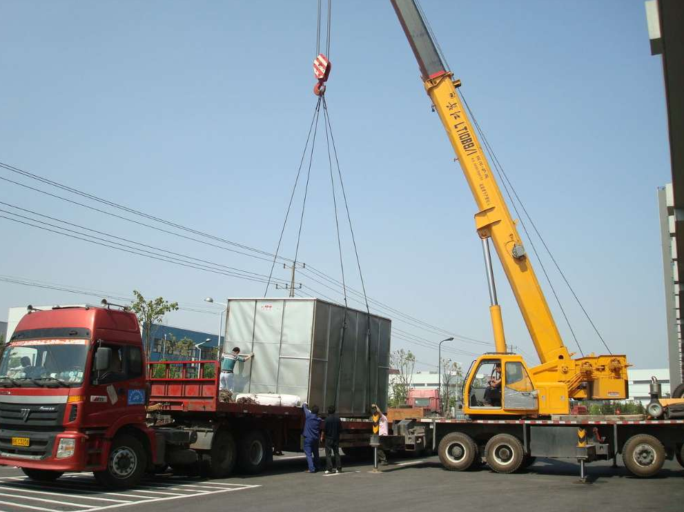 任丘大型随车吊100吨出租  一百吨折臂吊车出租多少钱一天