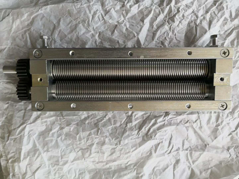 专业生产各种型不锈钢方便面刀   油盒  链板   输送机  网带   链条