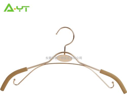 厂家直销保暖服衣架 金属防滑加厚衣架 冲压丝印LOGO SH-5037508