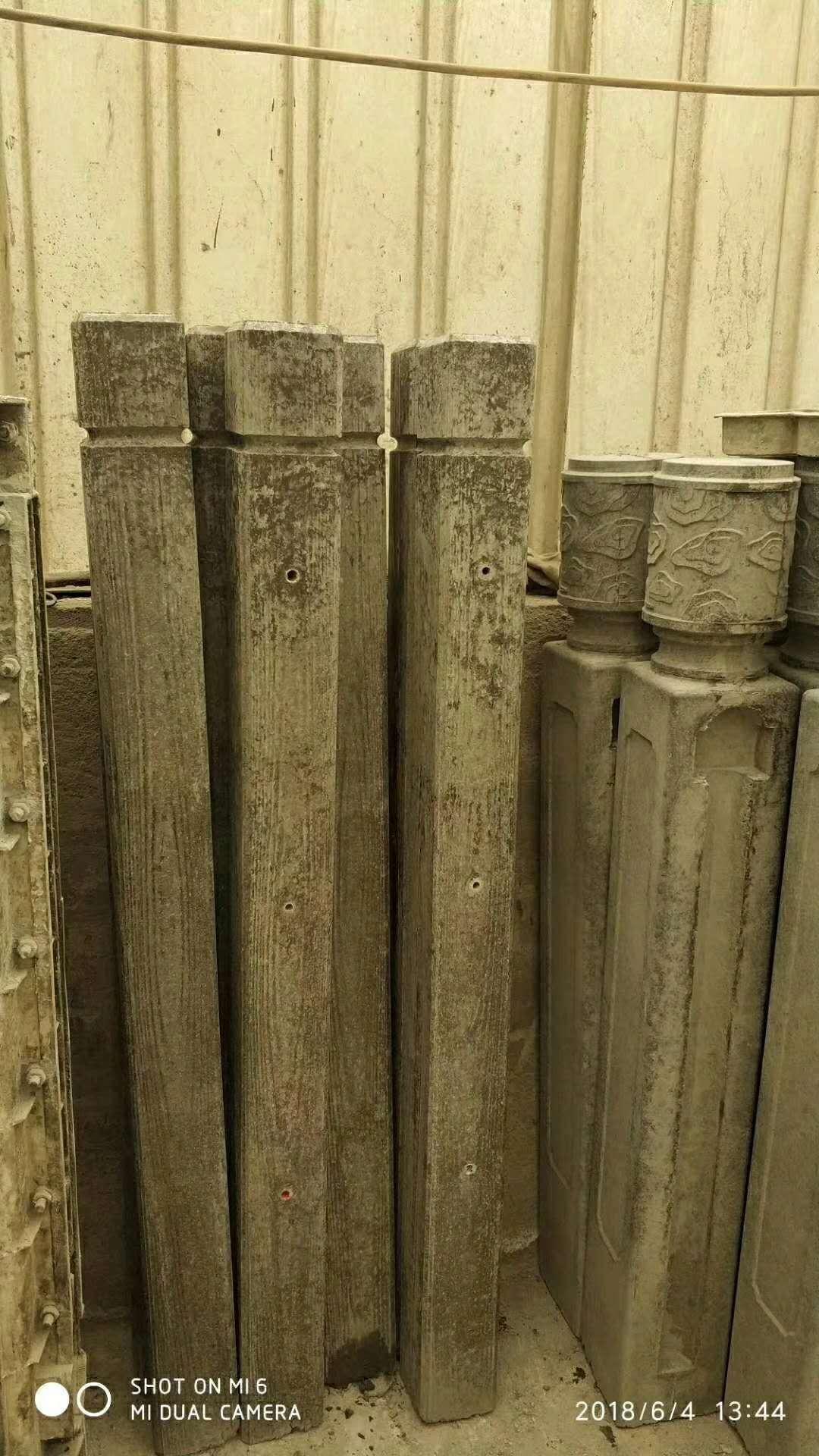 晟泰仿木立柱12*12公分产品 内蒙晟仿木立柱12*12公分产品 仿木护栏批发