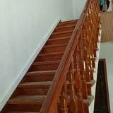 驻马店楼梯定做实木楼梯结构全进口材料高档室内楼梯护栏围栏扶手家用设计