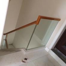 厂家定做直销设计室内钢化玻璃楼梯装修效果图驻马店安装楼梯护栏围栏扶手批发