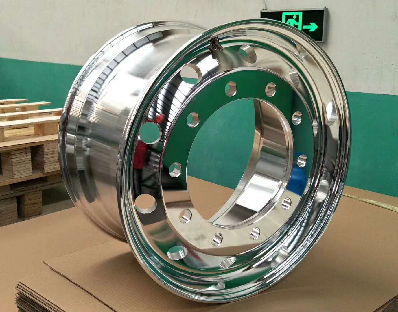 卡车11.75锻造铝合金轮毂 杭州卡车11.75锻造铝合金轮毂