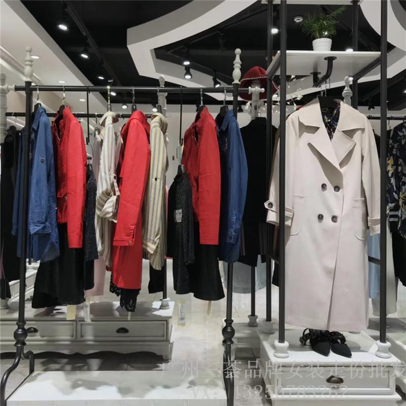 国际知名品牌女装18新款欧丝蒂雅文韩版风衣 品牌女装折扣货源