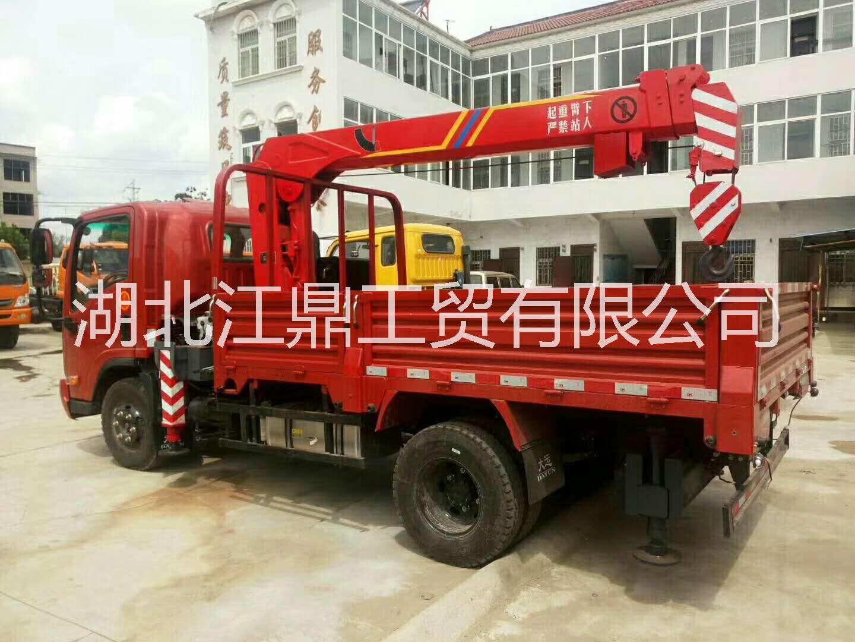 东风14吨随车吊采用军工品质生产质量保证