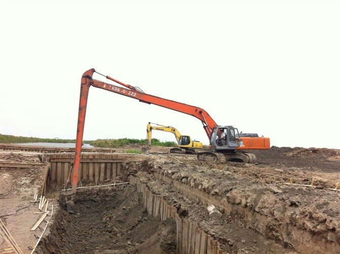 挖掘机大小臂 18米加长臂 定制三节臂20米高空拆楼吊臂