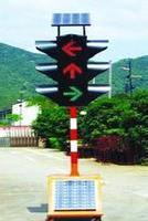 供应潭水路口红绿灯定制 太阳能交通信号灯 移动式红绿灯承接安装