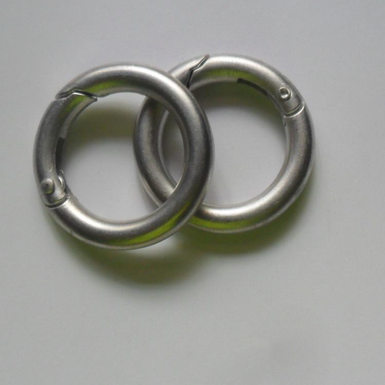 工厂现货直销圆形新款合金弹簧圈 钥匙扣锌合金弹簧圈 五金圆环扣