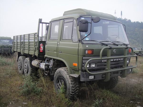 东风6×6越野卡车,东风EQ2102N双排三吨半平头运兵车,六驱康明斯沙漠越野车报价EQ2102N