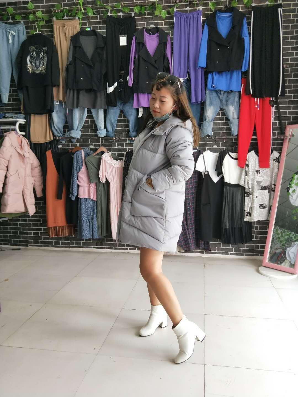 供应羽绒服外套 修身羽绒服 女装羽绒服厂家 羽绒服外套