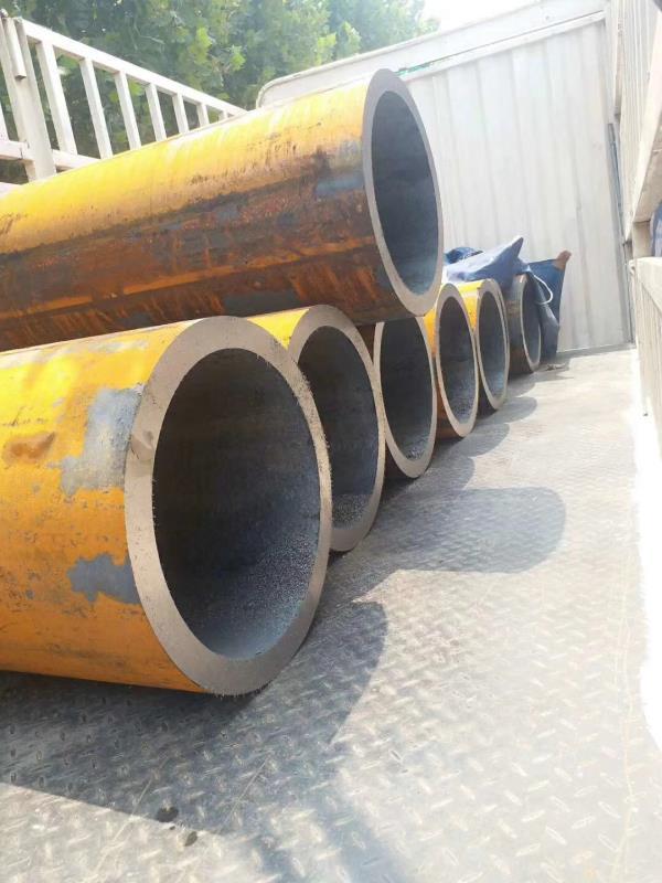 厂家批发热轧无缝钢管  大口径热轧无缝钢管