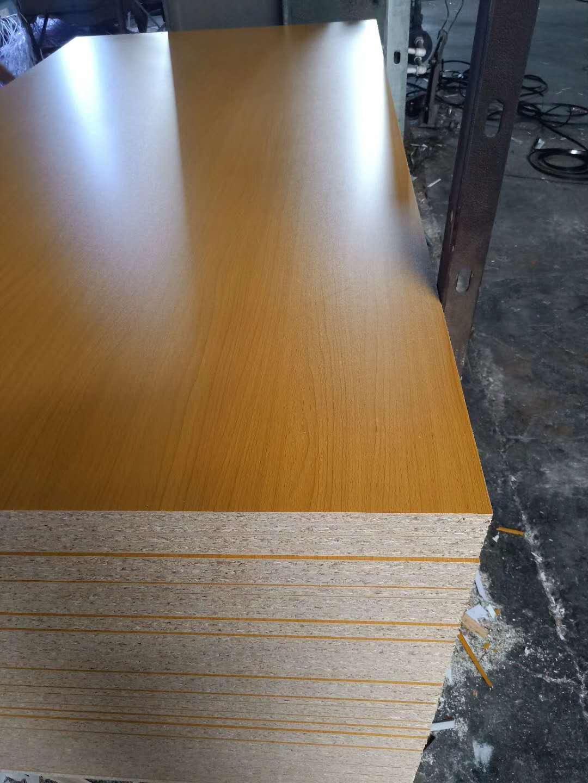 刨花板密度板 贴面中纤板/贴面刨花板/ v 刨花板贴面厂密度板贴面厂