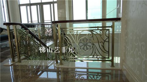 合肥铝板雕刻楼梯护栏 土豪金铝板雕刻楼梯护栏豪华新款定做