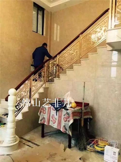 玉溪名庭五金雕刻铝板楼梯护栏扶手 广东铝艺楼梯平台护栏