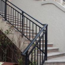濮阳仿木纹楼梯扶手,玻璃阳台栏杆,玻璃阳台栏杆,克莱丁靠墙扶手逼真的色彩,您值得拥有批发