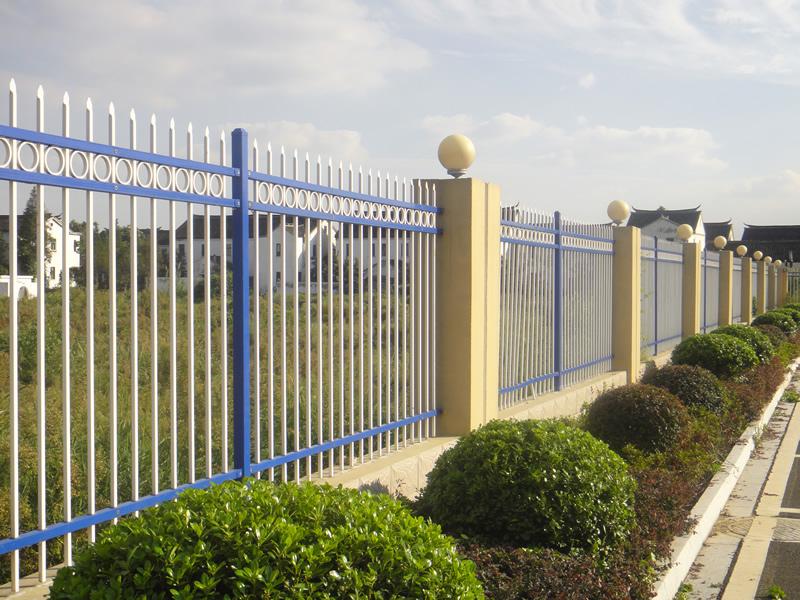 淄博烤漆围墙护栏,铝艺别墅围栏,竹节管围栏,锌钢道路防护栏