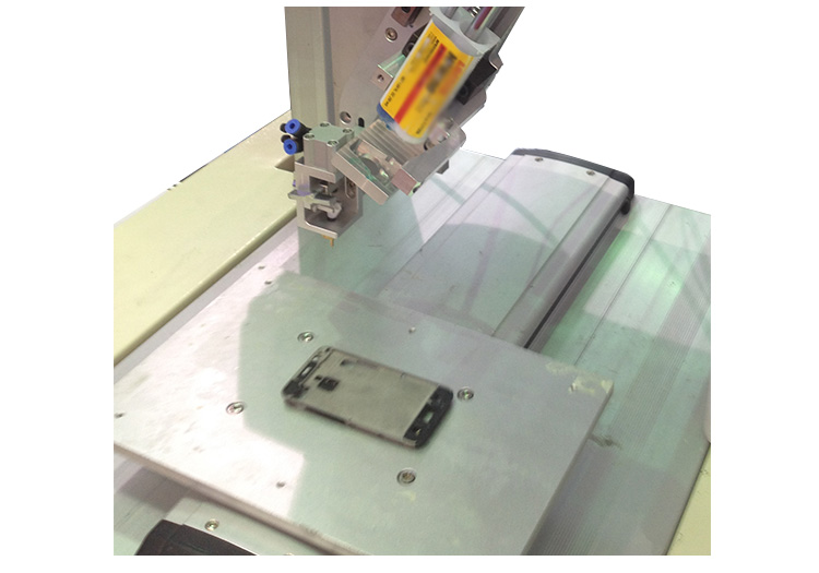 手机底壳槽点胶能采用精密视觉点胶机
