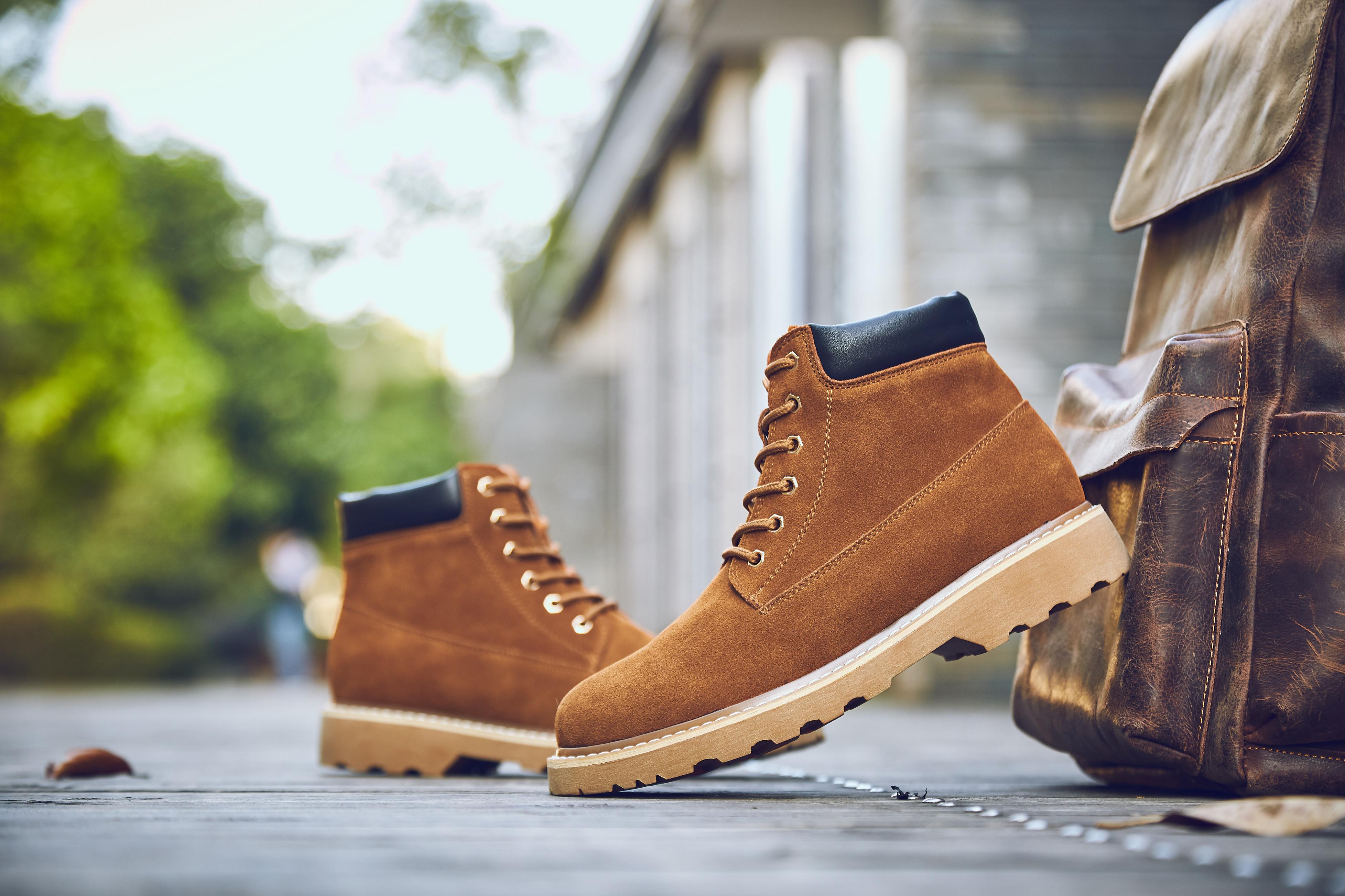 新款男士马丁靴批发市场 男士靴子批发短靴新款厂家出货
