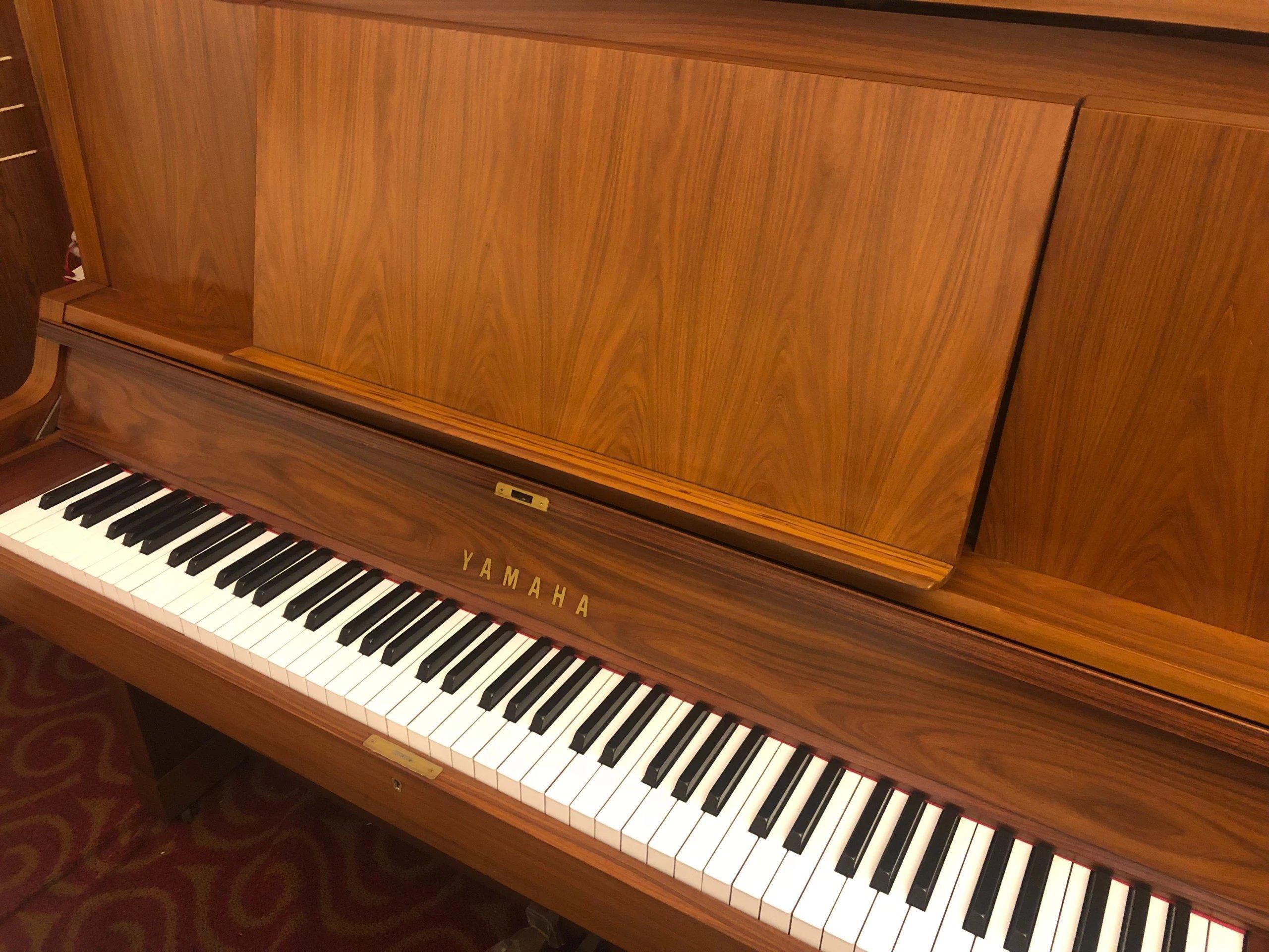 温州钢琴供应商 台州琴行 温州钢琴哪家好 立式钢琴厂家 钢琴那个牌子好 雅马哈钢琴W101