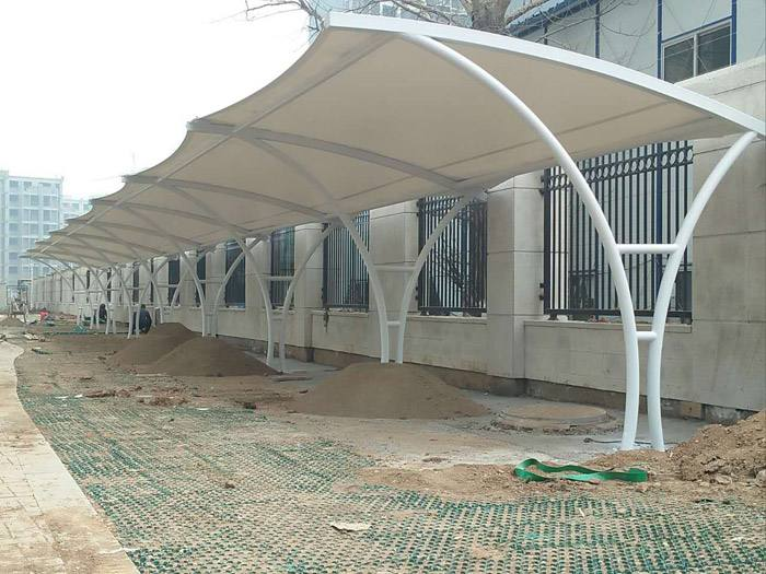 福建膜结构停车棚 高强度膜材 透光性能好 抗冲击性