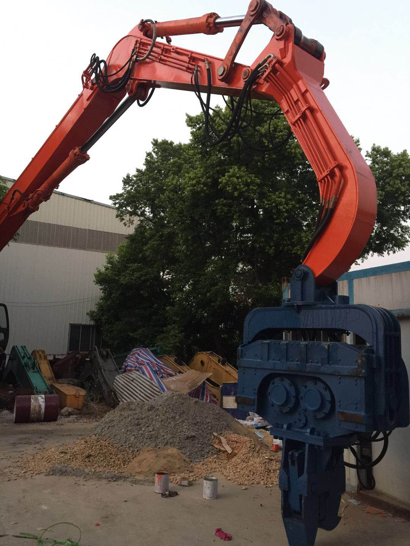 专业打桩9米至18米钢板桩、打桩臂改装厂、液压桩机锤桩夹 液压振动锤改装厂