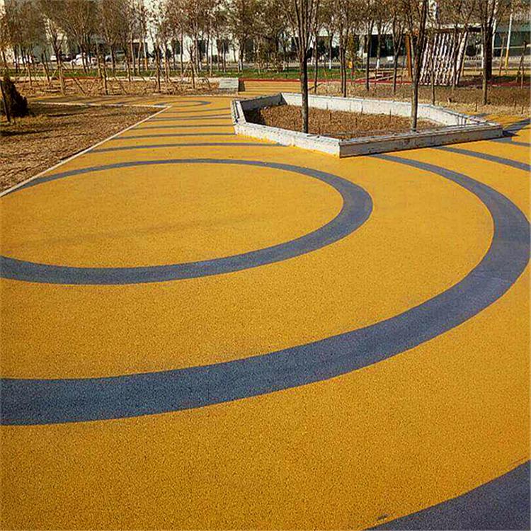 停车场路面铺装彩色高透水性原材料透水混凝土3cm抗压防滑地坪