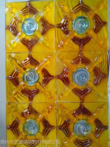 优质的异形玻璃钢背景墙