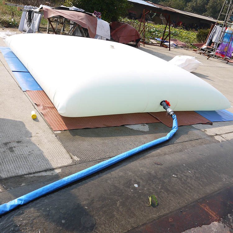 10吨枕型水袋  便携可折叠 抗旱救灾 沙漠 缺水储存雨水 水囊