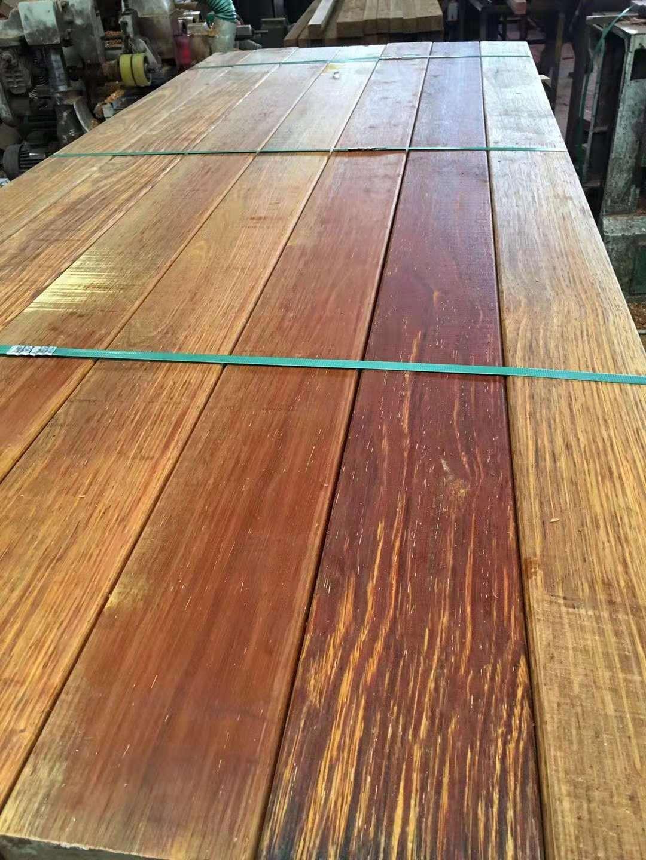菠萝格原木价格,板材规格定制,园林景观防腐木