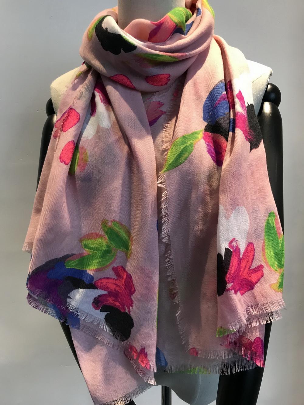 围巾工厂-外贸涤纶花朵印花围巾销售
