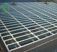 山东钢格板厂家对于产品选材的介绍 钢格板制作准备材料的选择