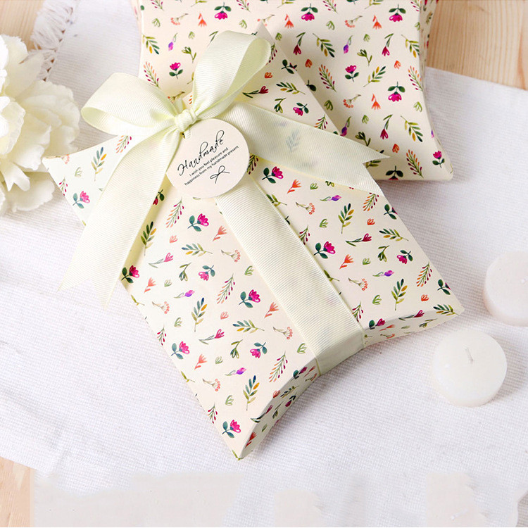 碎花枕头盒粉色圣诞包装盒包装盒厂家批发卡纸包装盒卡通糖果礼品盒现货礼品盒盒定做 包装盒子材料包装盒