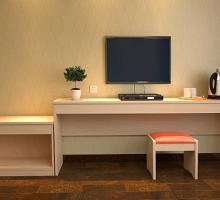 厂家定制快捷酒店宾馆板式家具客房写字桌行李柜衣柜鞋柜一体桌批发