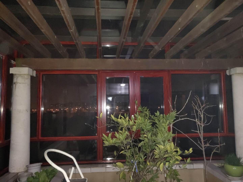 武汉封阳台108窗纱一体窗